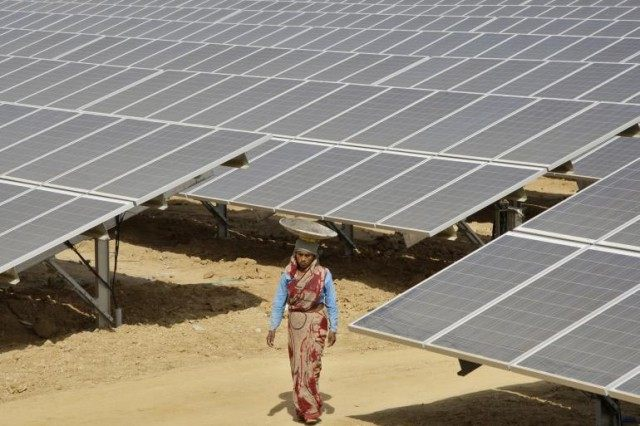 india-solar-power-2012-640x426